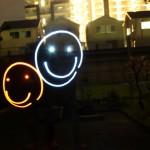 停電の夜は、一眼レフとペンライトで夜空にお絵かきしよう!